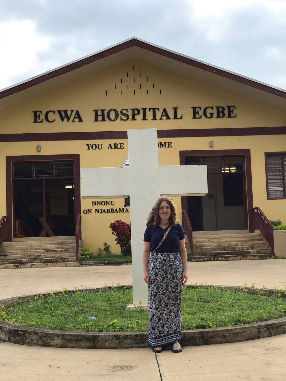 Julianne in front of Egbe Hospital