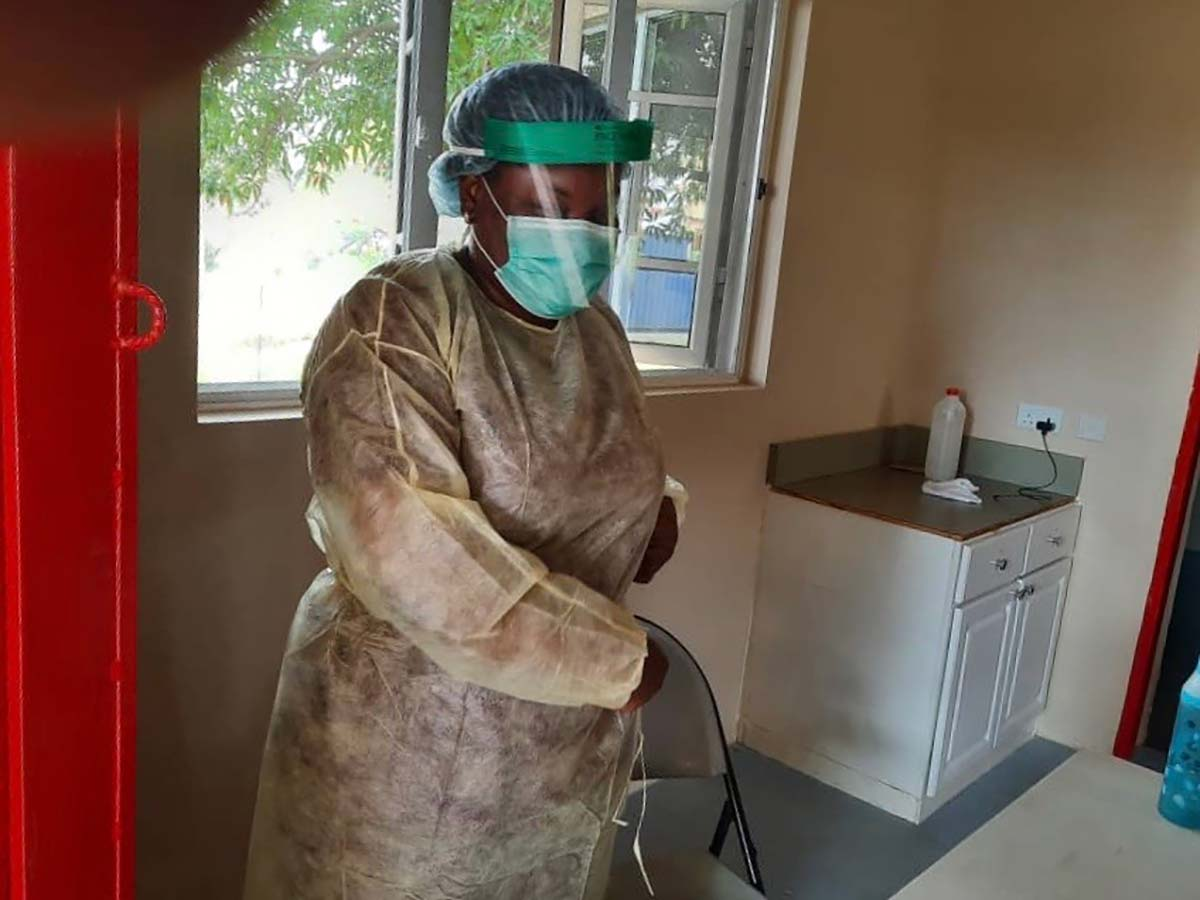 egbe nurse protective facemask gown